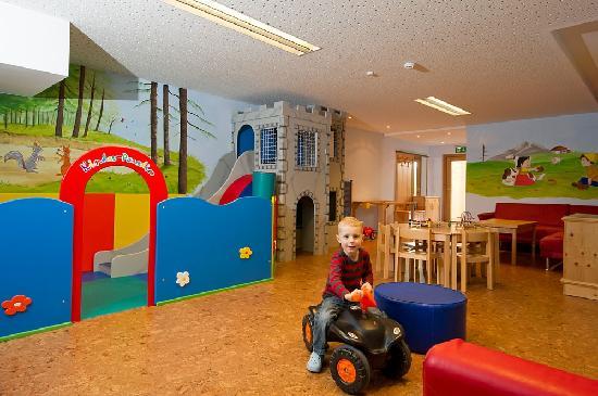 Hotel Salzburgerhof Zauchensee: Kinderparadies