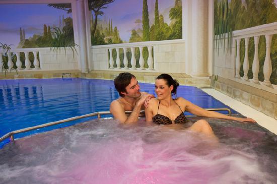 Hotel Salzburgerhof Zauchensee: Whirlpool