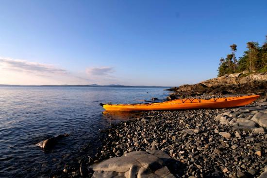 Acadia Park Kayak Tours: rest stop
