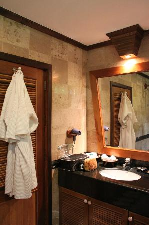 ‪‪Somkiet Buri Resort‬: bathroom‬