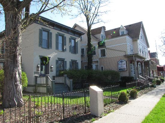 Photo of La Salle Bed & Breakfast Fort Wayne
