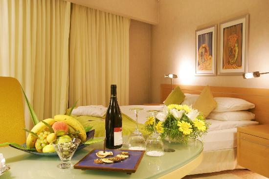 Grand Hotel Konya: corner room