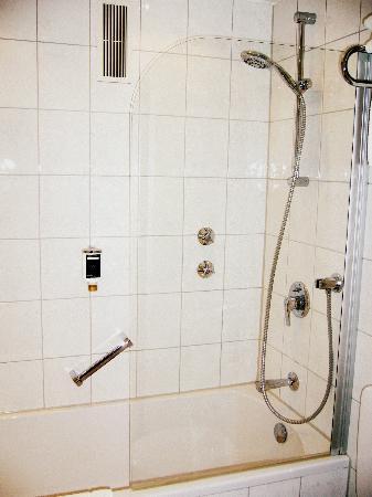 Guennewig Hotel Esplanade: Bathroom