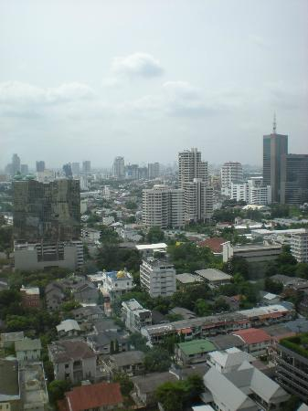 Sukhumvit Park, Bangkok - Marriott Executive Apartments: Excellent view from the 22nd floor!