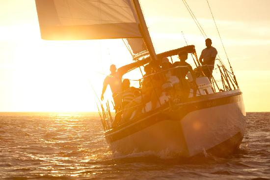 Pelican Eyes Resort & Spa: Sailing Tours