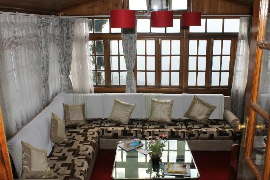 Dekeling Resort at Hawk's Nest: Reading lounge