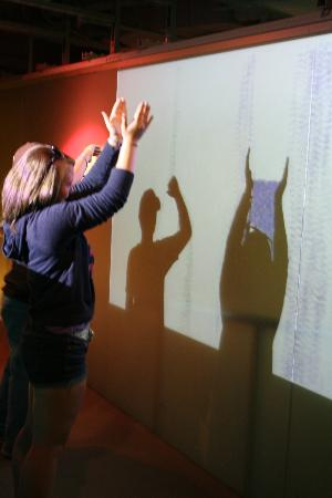 Sony Wonder Technology Lab : Dots, don't miss on your way out