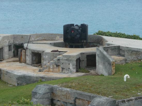 National Museum of Bermuda: Parapet at Bermuda Maritime Museum
