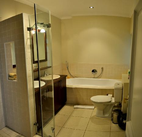 Manor on the Bay: Luxury en-suite  Bathrooms