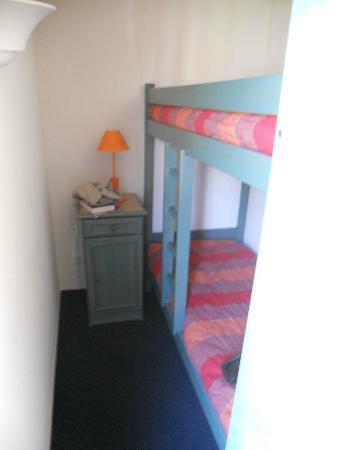 ResidHotel Les Coralynes: camera con letto a castello