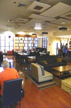 Four Points By Sheraton Oklahoma City Quail Springs: dining area