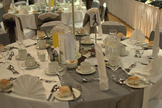 The Valley Hotel: Table layout