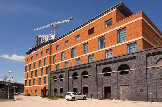 Premier Inn Wolverhampton City Centre Hotel: Premier Inn Wolverhampton City Centre - Bluebricks