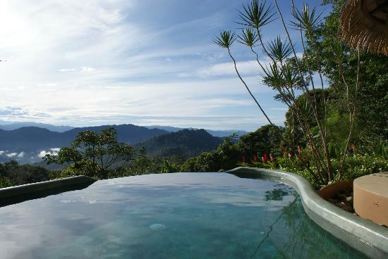 Las Nubes Natural Energy Resort: Infinity Pool
