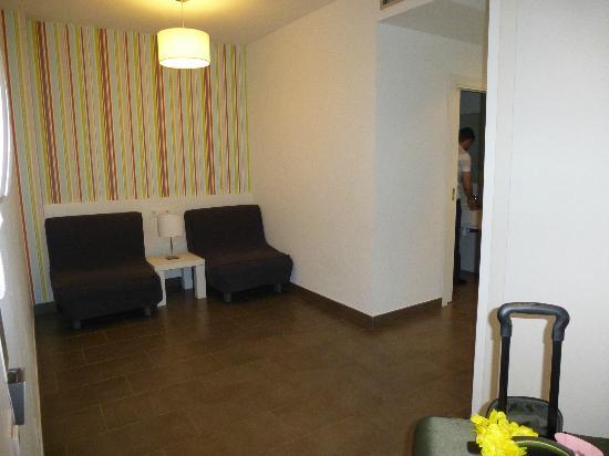 08028 apartments: chambre #15