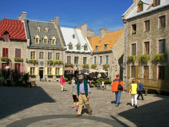 Old Quebec: Place Royale