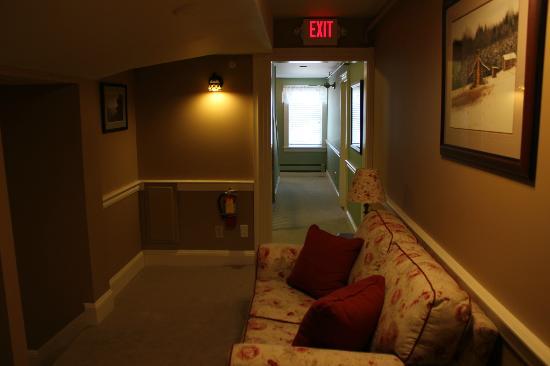 Bernerhof Inn Bed and Breakfast: Living/Family room, 2nd floor