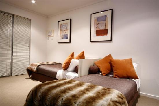 Ashmont Motor Inn & Apartments: Guest Room