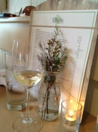 Ellerbe Fine Foods: Such a nice relaxing atmosphere