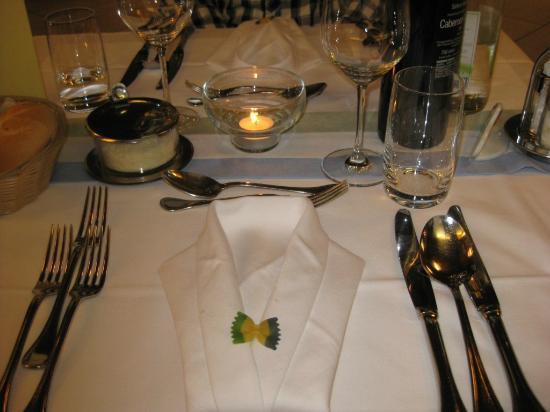 Hotel Condor: Ein liebevoll gedeckter Tisch - das Auge isst mit...