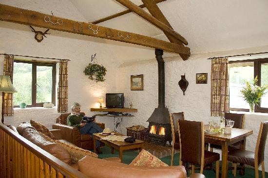Riscombe Farm Holiday Cottages: Heather Cottage living room