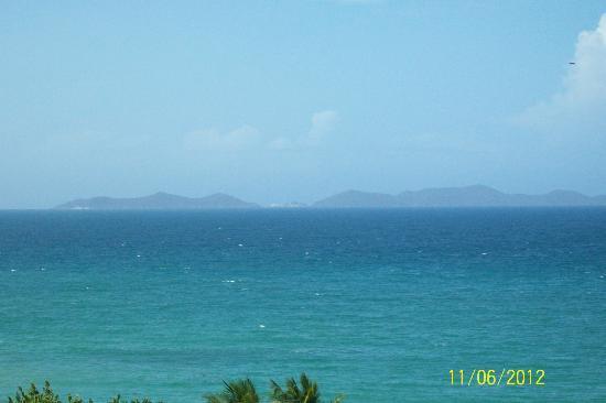 Isla Caribe Beach Hotel : vista del mar desde la habitacion