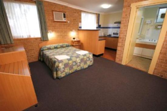 Colonial Motel Richmond: Family Room