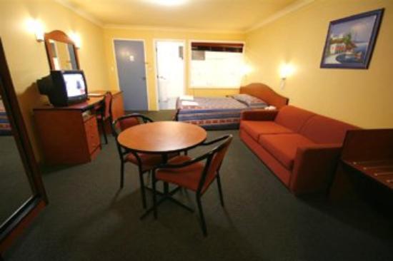 Colonial Motel Richmond: Spa Room