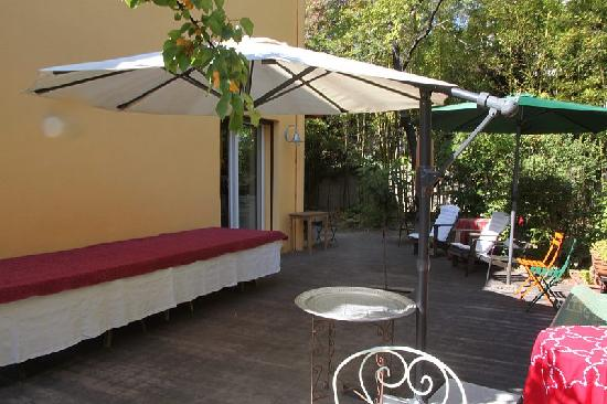 Les Arbousiers: Terrasse for a fest