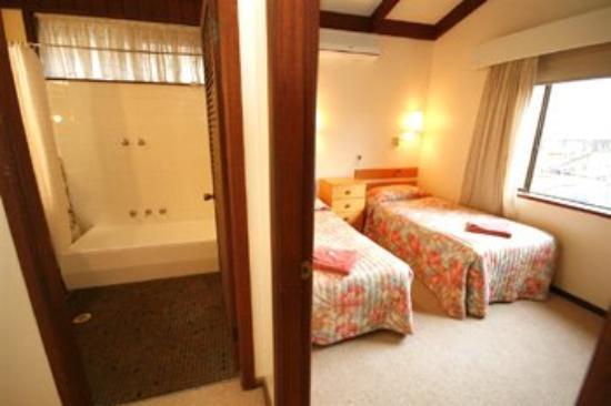 Wanderlight Motor Inn: Guest Room