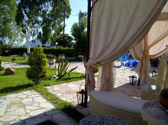 Villa Olga Hotel Apartments & Studios: Garden