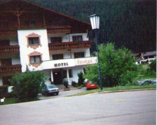 Hotel Belvedere: View of the Hotel