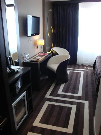LE COLISEE Hotel & Spa : vue de l'entrée