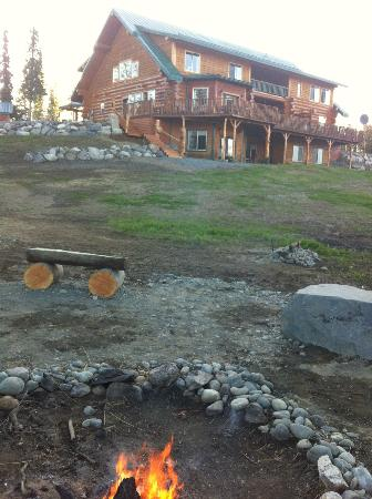 Crooked Creek Retreat & Outfitters: View from the fire pit with Horse shoe pits