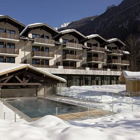 Le Refuge des Aiglons : Outdoor Swimming Pool