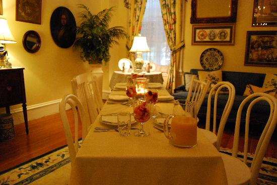 The Ocean House: Our parlor room turned into a very nice place for our guests to have breakfast, for the 1st time