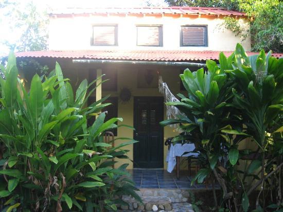 La Hacienda Hostel Ranch: Our lovely bungalow at La Hacienda!