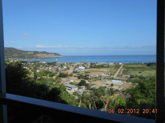 Hosteria La Terraza : Puerto Lopez from the Dining Area