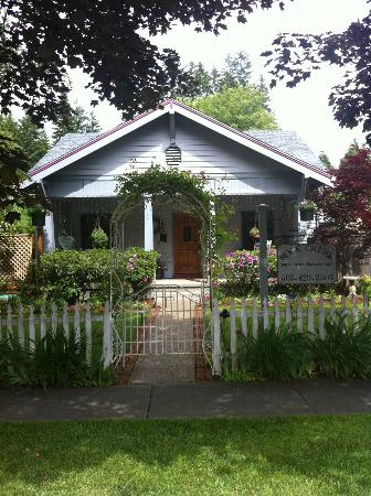 Rock Creek Bed and Breakfast: Bed and Breakfast Inn