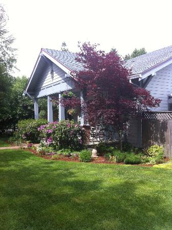 Rock Creek Bed and Breakfast: The Inn