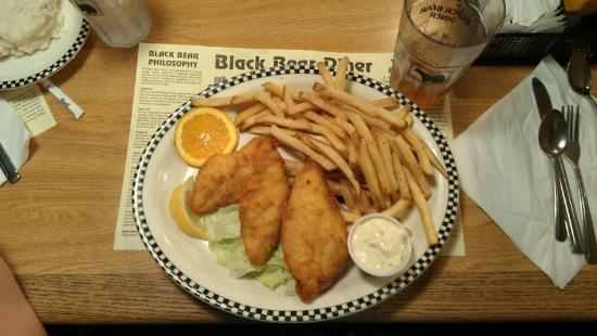Willows Black Bear Diner: Fish & Chips