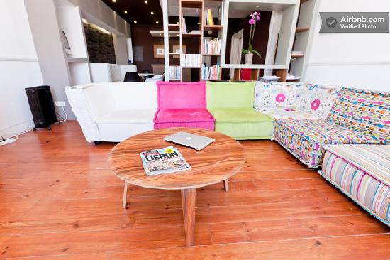 Downtown Design Bed & Breakfast: sofa