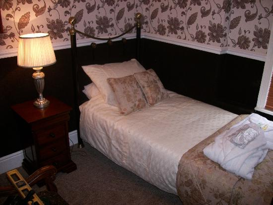 Brownes hotel: Single Bedroom