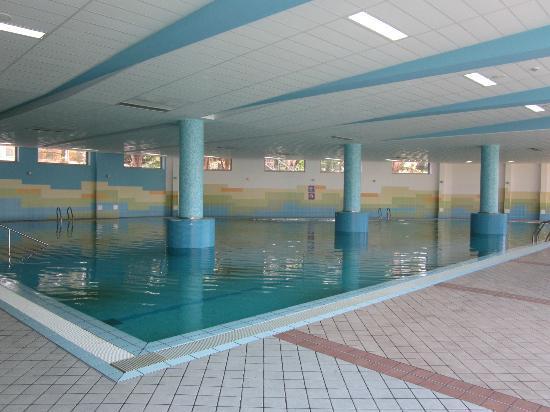 Remisens Hotel Lucija: Una delle piscine coperte