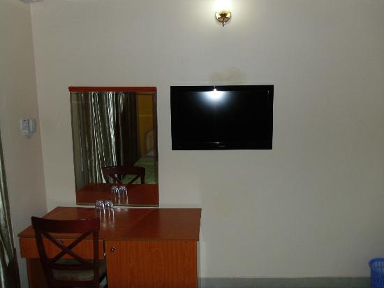 Sapphire Court Hotel : Single Room