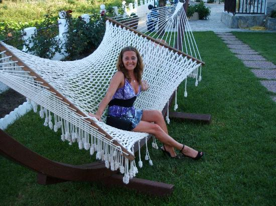 ‪‪Yialis Apartments‬: Denise chiling out on the Hammock