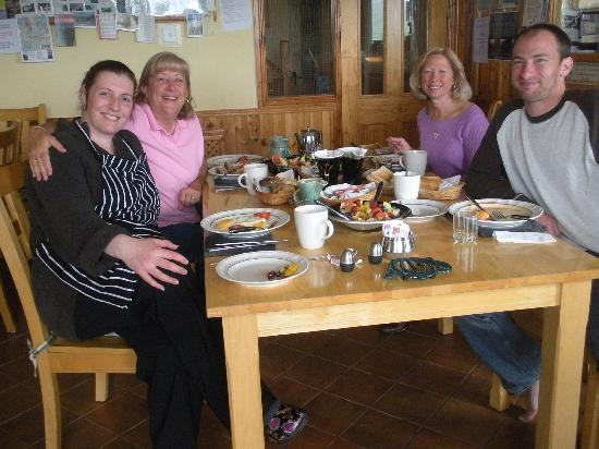 Dingle's First Cottage by the Sea : Breakfast - Dingles First Cottage