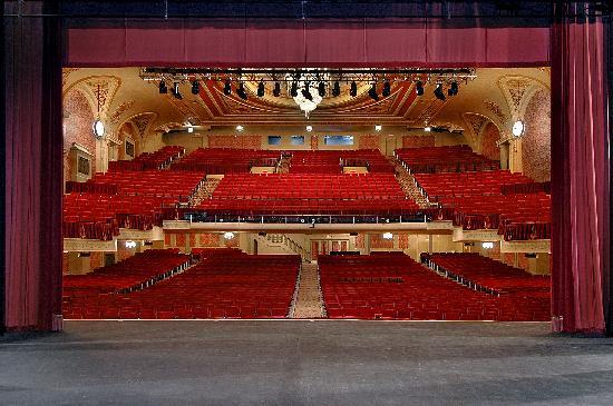 Genesee theatre waukegan 2018 all you need to know before you go