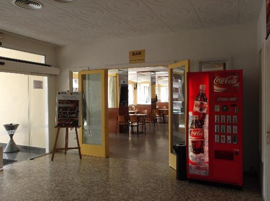 Hotel Serhs Oasis Park: The bar area