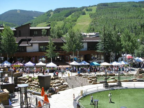 Solaris Residences: Balcony view of Vail with Farmers Market